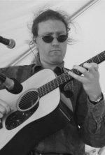 Geoff Union : flat-pick style guitar, vocals